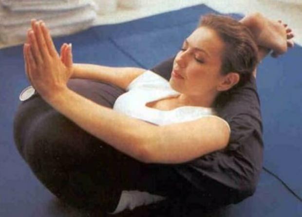 Vidayestilo Terra Co Mujer Thalia Practica Yoga Para