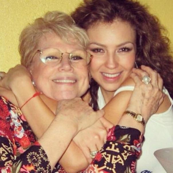 Thalia_con_su_madre_Yolanda_Miranda