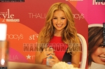 thalia-firmando-autografos-en-macys-94