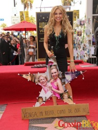 Thalia-Honored-with-a-Star-on-the-Hollywood-Walk-of-Fame-2