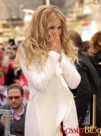 Thalia-Honored-with-a-Star-on-the-Hollywood-Walk-of-Fame-6