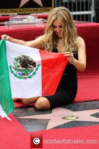 thalia-thalia-is-honored-with-a-star_3983142