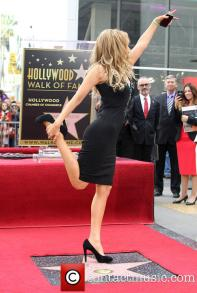 thalia-thalia-is-honored-with-a-star_3983150