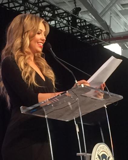 Thalia at 2015 People en Espanol Festival (7)