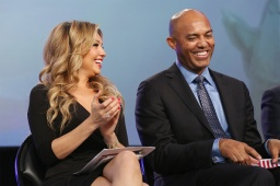 NEW YORK, NY - OCTOBER 18: Singer Thalia and baseball pitcher Mariano Rivera attend the 4th Annual People en Espanol Festival at Jacob Javitz Center on October 18, 2015 in New York City. (Photo by Mireya Acierto/FilmMagic)